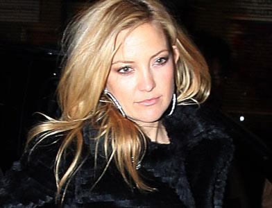 pst Kate Hudson Mends Wounds
