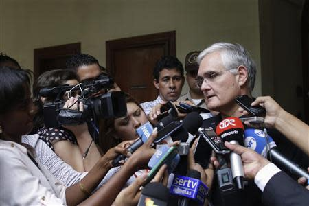 Panama Canal Administrator Jorge Quijano speaks after a private meeting with Spain's Public Works Minister Ana Pastor, in Panama City January 6, 2014. REUTERS/Carlos Jasso