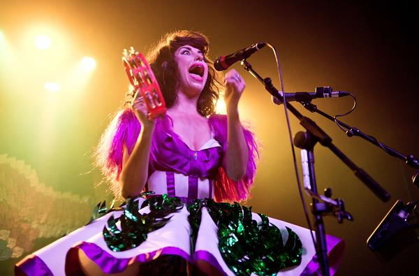 Kimbra Shows Lots of Pizzazz, Less Restraint in L.A