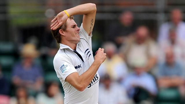 County - Dexter rips through Notts, Yorkshire hold up Sussex charge