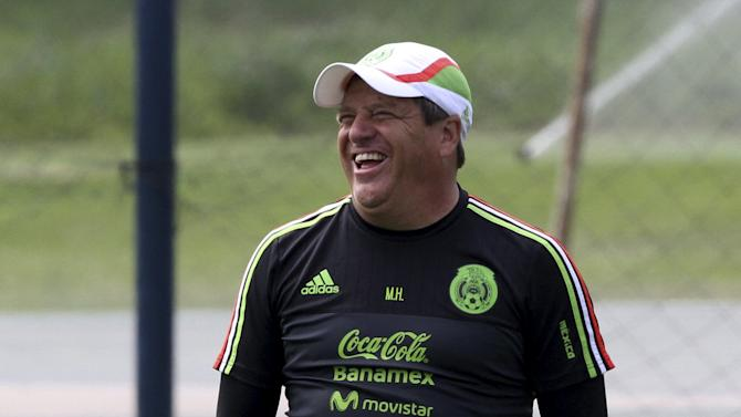Mexico's coach Miguel Herrera gestures during a training session, ahead of the Copa America tournament, in Lima
