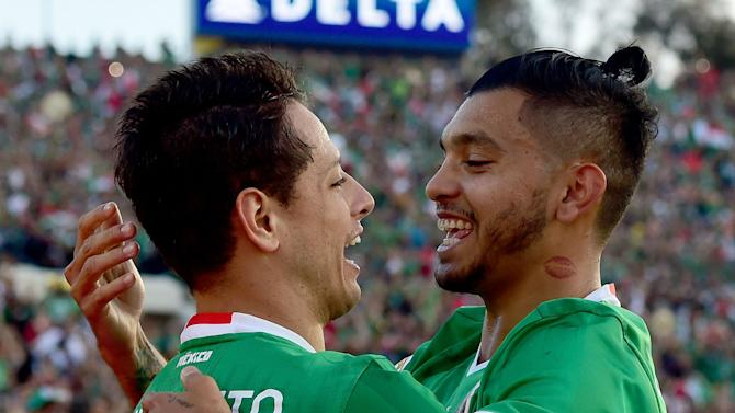 Mexico coach Osorio balancing experimentation with need for results
