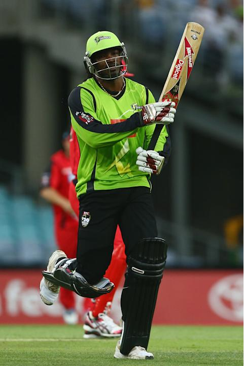 Big Bash League - Thunder v Renegades