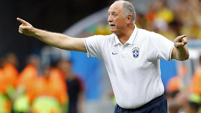 Football - Luiz Felipe Scolari 'sent himself off' during Gremio humiliation