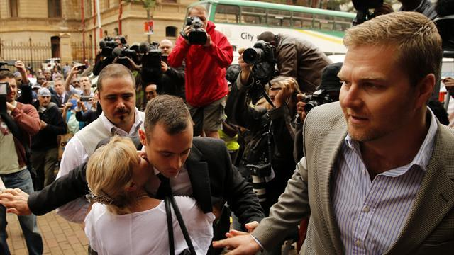 Pistorius case - Pistorius accused of 'using emotions as an escape'