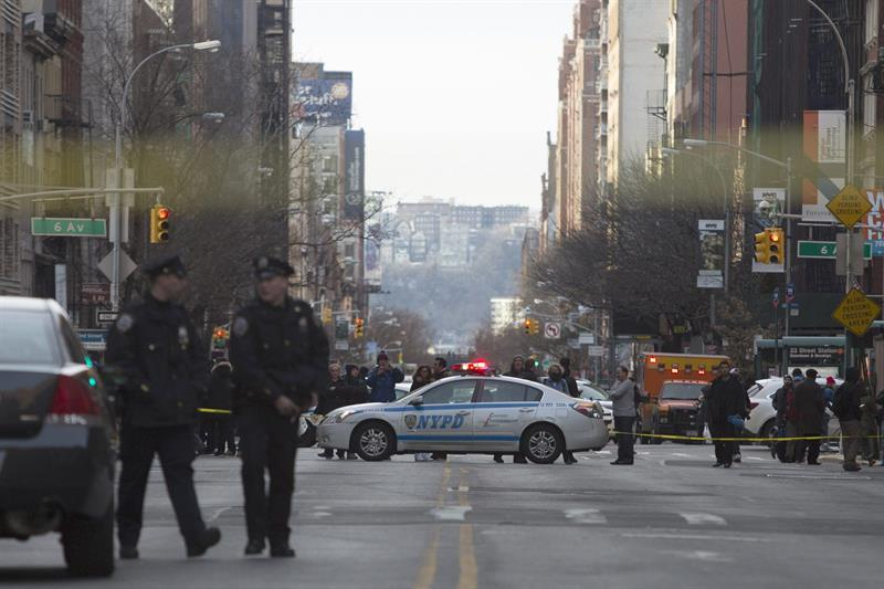 2 dead in shooting at NYC Home Depot