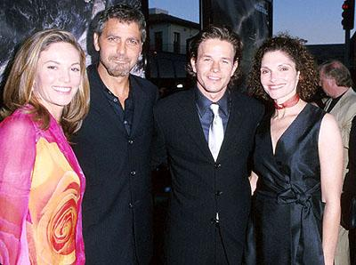 Premiere: Diane Lane, George Clooney, Mark Wahlberg and Mary Elizabeth Mastrantonio at the Mann's Village Theater premiere of Warner Brothers' The Perfect Storm - 6/26/2000