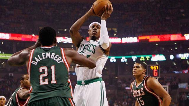 Basketball - Pierce fires Celtics to tight win over Bucks
