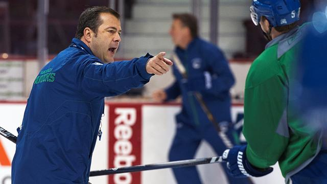 Ice Hockey - Rangers hire 'perfect fit' Vigneault as head coach