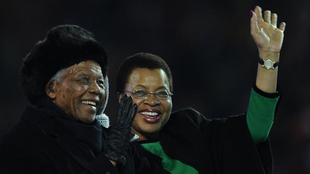 World Cup - FIFA orders flags at half mast for Mandela