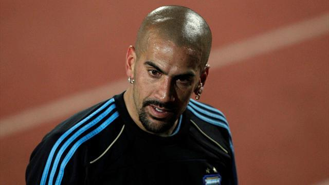 South American Football - Veron lines up another La Plata derby after comeback