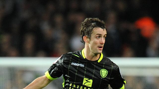Championship - Owls snap up Pugh from Leeds
