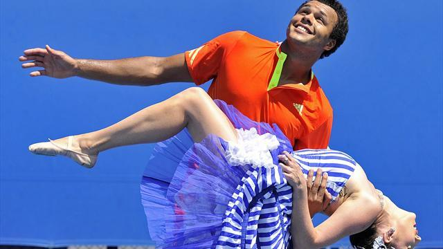 Australian Open - Tsonga: Hormones are why top women lose