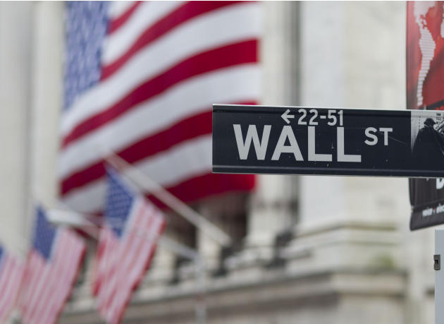 US stocks mostly unchanged on lower oil, higher inflation