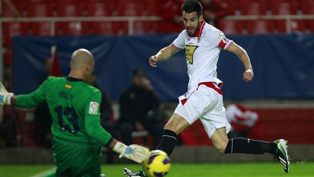 Liga - Sevilla 'don't need to sell Negredo'