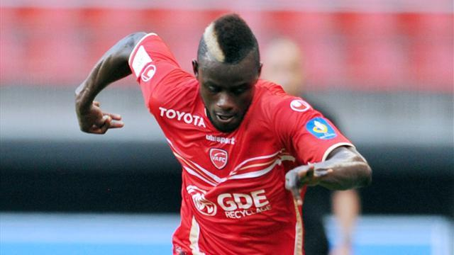 Ligue 1 - Valenciennes midfielder Camara in knee blow