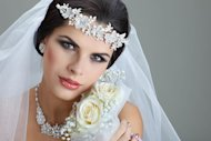 Must-Try: Winter Make Up Look for Brides