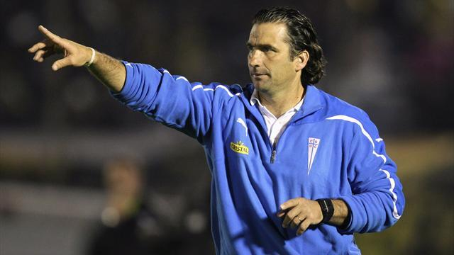 Liga - Valencia hire Pizzi as coach to replace sacked Djukic