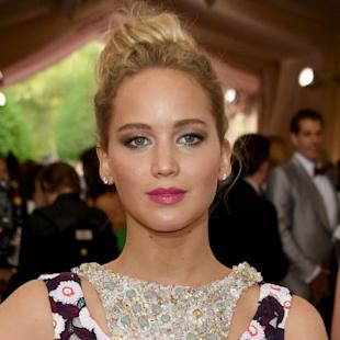 Met Gala Arrivals: Jennifer Lawrence, Sarah Jessica Parker, Ansel Elgort (Updating Photos)