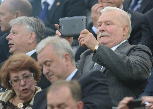 Mitt Romney will today visit the Gdansk shipyard where Lech Walesa leds strikes in the 1980s