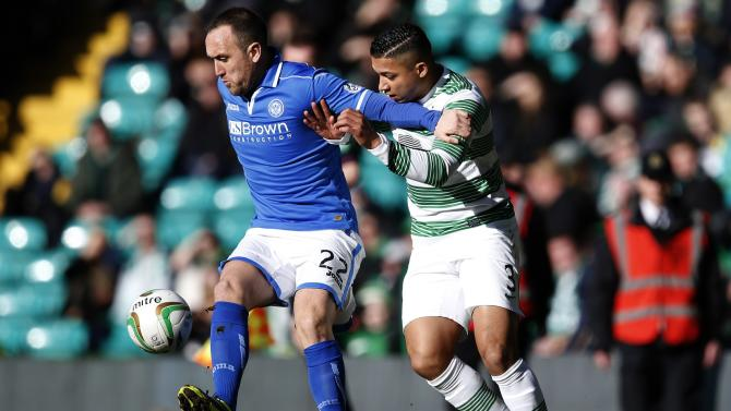 St Johnstone's Croft challenges Celtic's Izaguirre during their Scottish Premier League soccer match in Glasgow