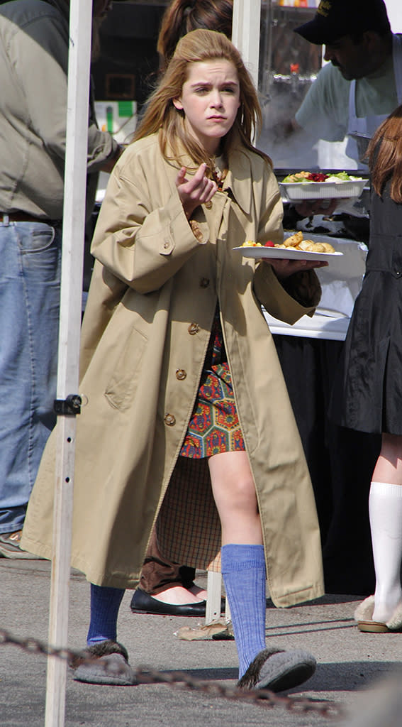 Kiernan Shipka get some food to eat after a break of taping AMC's 'Mad Men' in Glendale, California
