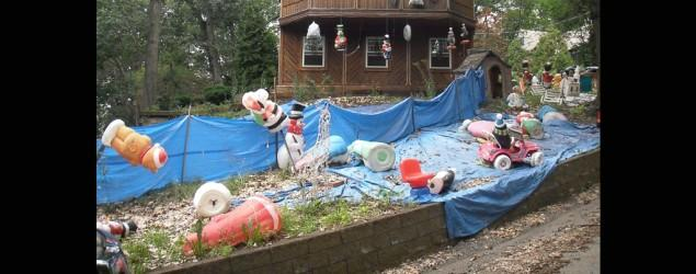 Man tortures neighbors with hostile holiday decor