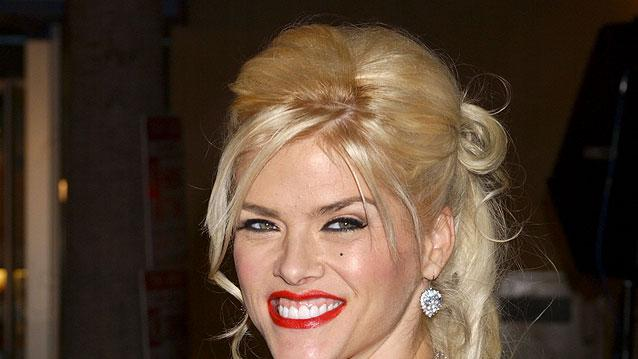 "Anna Nicole Smith at the ""Be Cool"" Los Angeles Premiere. February 14, 2005"