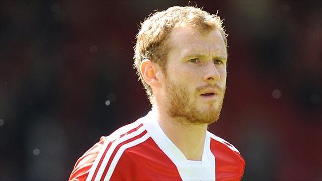 Scottish Premiership - Reynolds extends Aberdeen deal