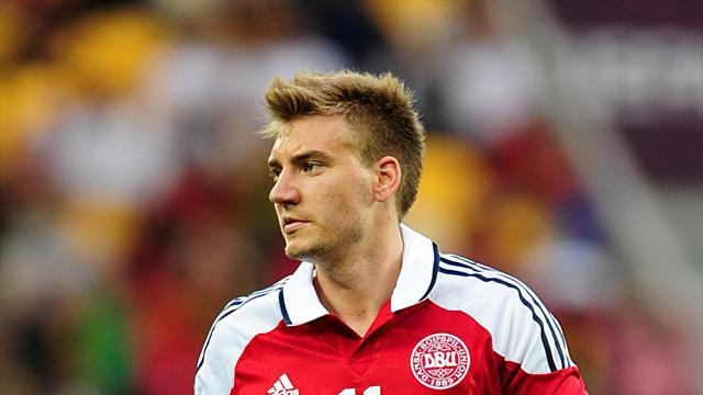 Premier League - Bendtner promises to help Arsenal