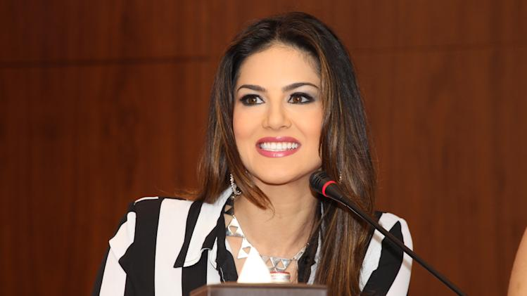 Sunny Leone continues to answer questions from the press. Sanish Cherian/Yahoo! Maktoob