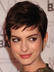 Valentino completes Anne Hathaway's wedding gown