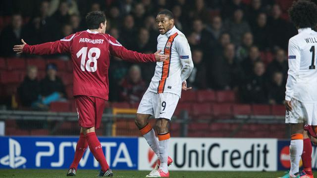 Champions League - Luiz Adriano banned for controversial goal
