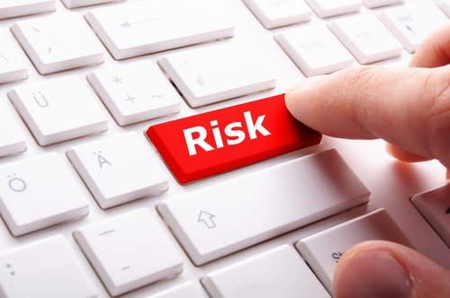 Il mercato sta riprezzando il rischio: 5 titoli da monitorare
