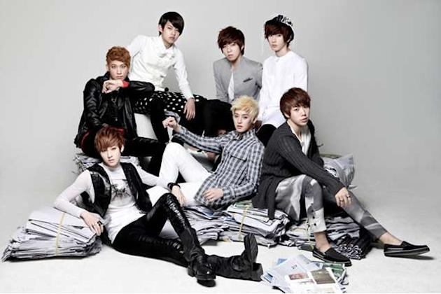 U-Kiss to Stand on Stage with Shakira at South American Music Festival