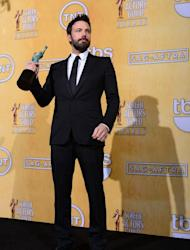 Snubbed 'Argo' director Affleck to present at Oscars