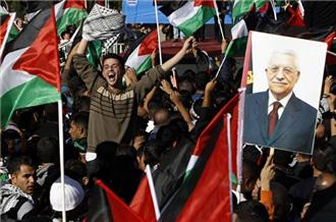 West Bank hails return of Abbas after UN vote