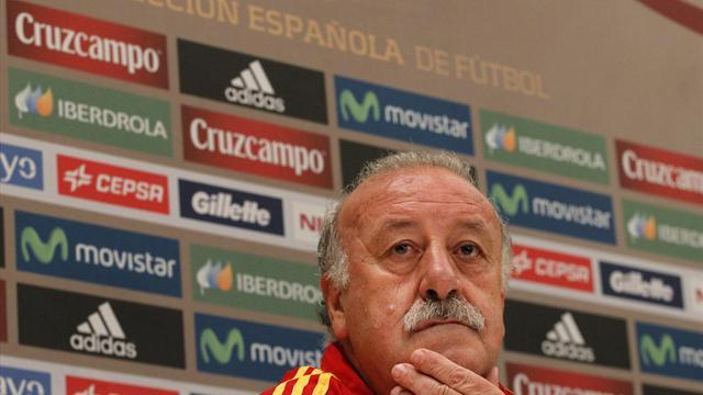 Football - Del Bosque names experimental squad for Ecuador friendly