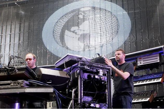The Chemical Brothers premiere brand new song