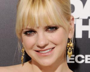 Pilot Scoop: Anna Faris to Headline Chuck Lorre's Latest CBS Comedy Mom