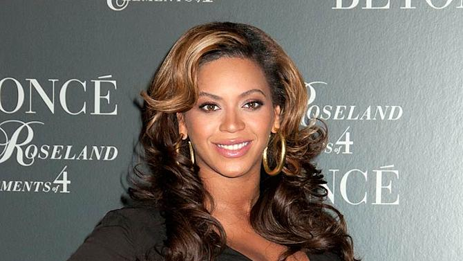 Beyonce Knowles Live At The Roseland
