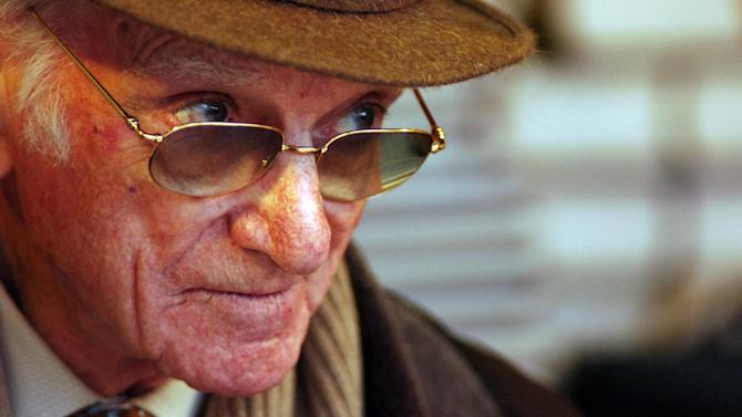 Horse Racing - Tributes pour in for iconic 'voice of racing' Sir Peter O'Sullevan