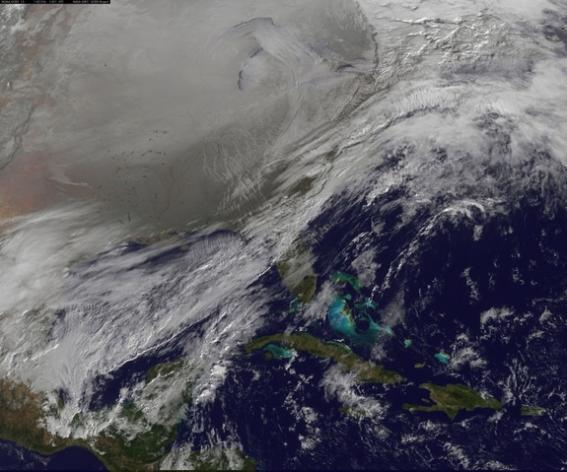 NOAA's GOES-East satellite captured this photo of the polar vortex over the Northern United States on Jan. 6, 2014, at 11:01 a.m. EST (1601 GMT).