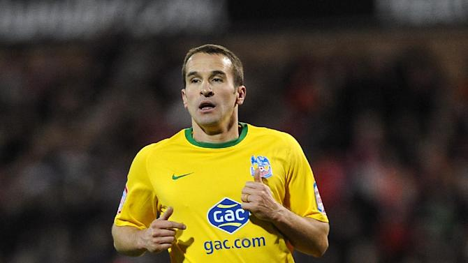 Crystal Palace's David Wright has joined Gillingham on loan