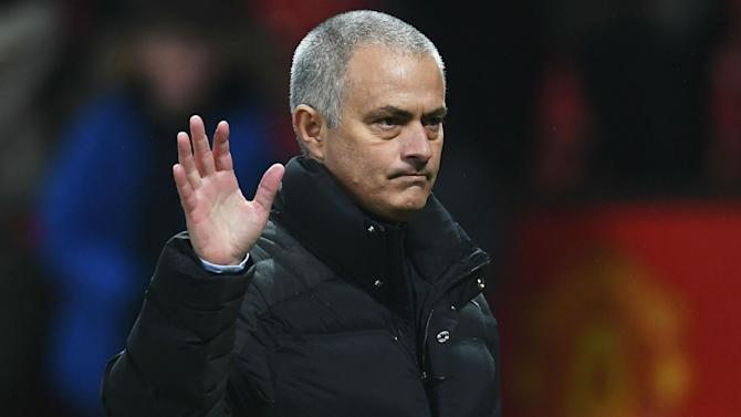 Mourinho: ¿Real Madrid? Solo me iré del Manchester United si me echan