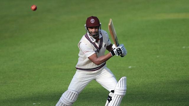 County - Somerset's Petersen overshadows Surrey's Smith