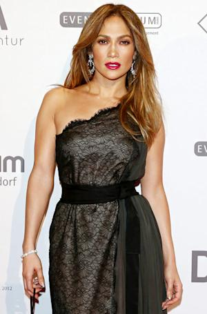 Jennifer Lopez: I Didn't Get Maid Fired Over Autograph Request!