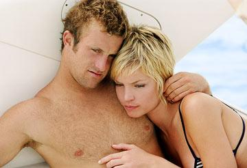 Scott Caan and Ashley Scott in MGM/Columbia Pictures' Into the Blue
