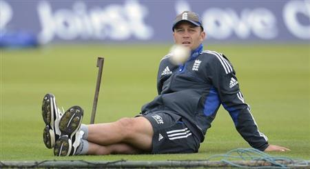 England's Jonathan Trott watches a ball during a training session before Tuesday's second one-day international cricket match against South Africa at the Ageas Bowl in Southampton August 27, 2