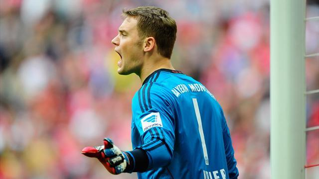 Bundesliga - Bayern's Neuer extends contract by three years to 2019